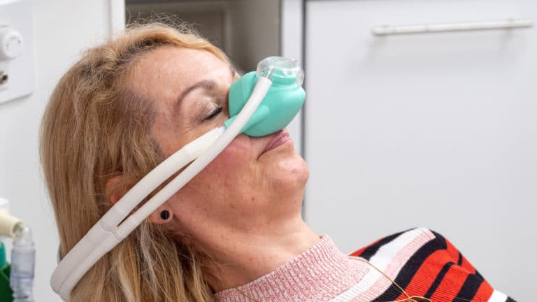 Lachgas Leipzig Sedierung Behandlung Angstpatienten Zahnarztangst